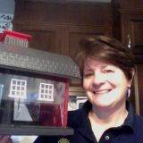 I won this Bird Feeder from Deal Dash.... The best penny auction ever.